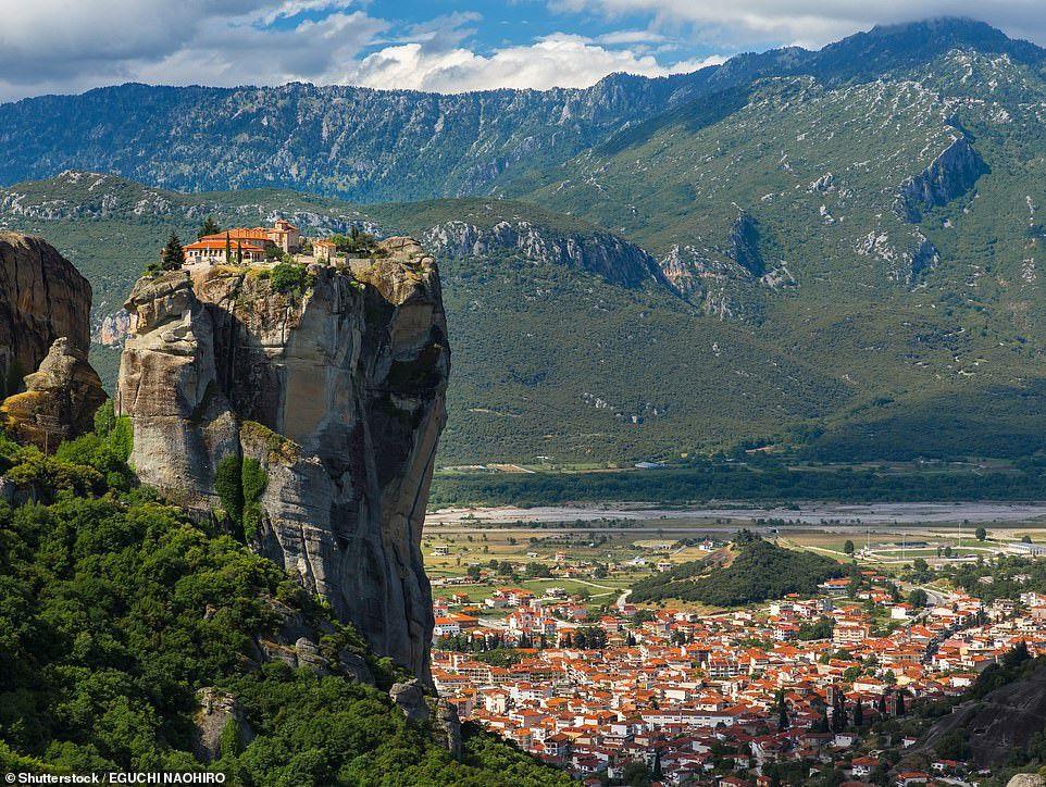Những công trình trên vách núi ấn tượng nhất thế giới Ảnh 3