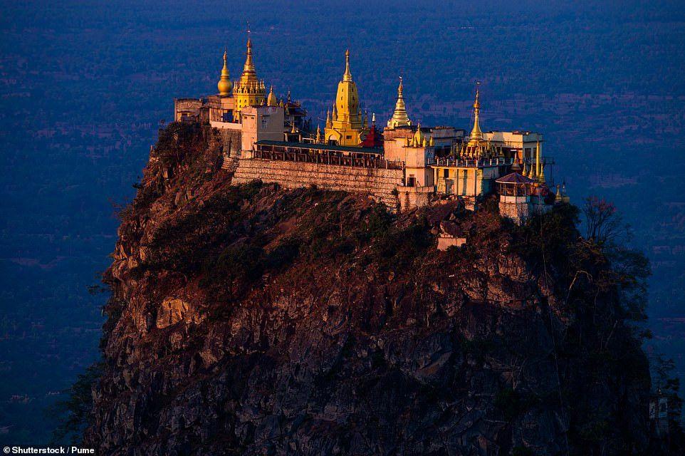 Những công trình trên vách núi ấn tượng nhất thế giới Ảnh 7