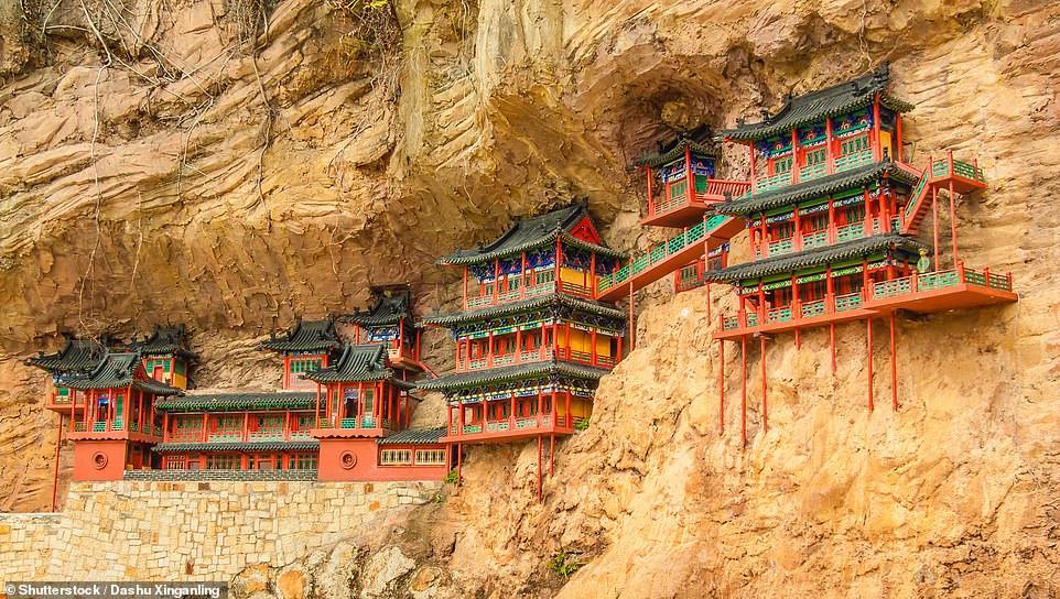 Những công trình trên vách núi ấn tượng nhất thế giới Ảnh 5