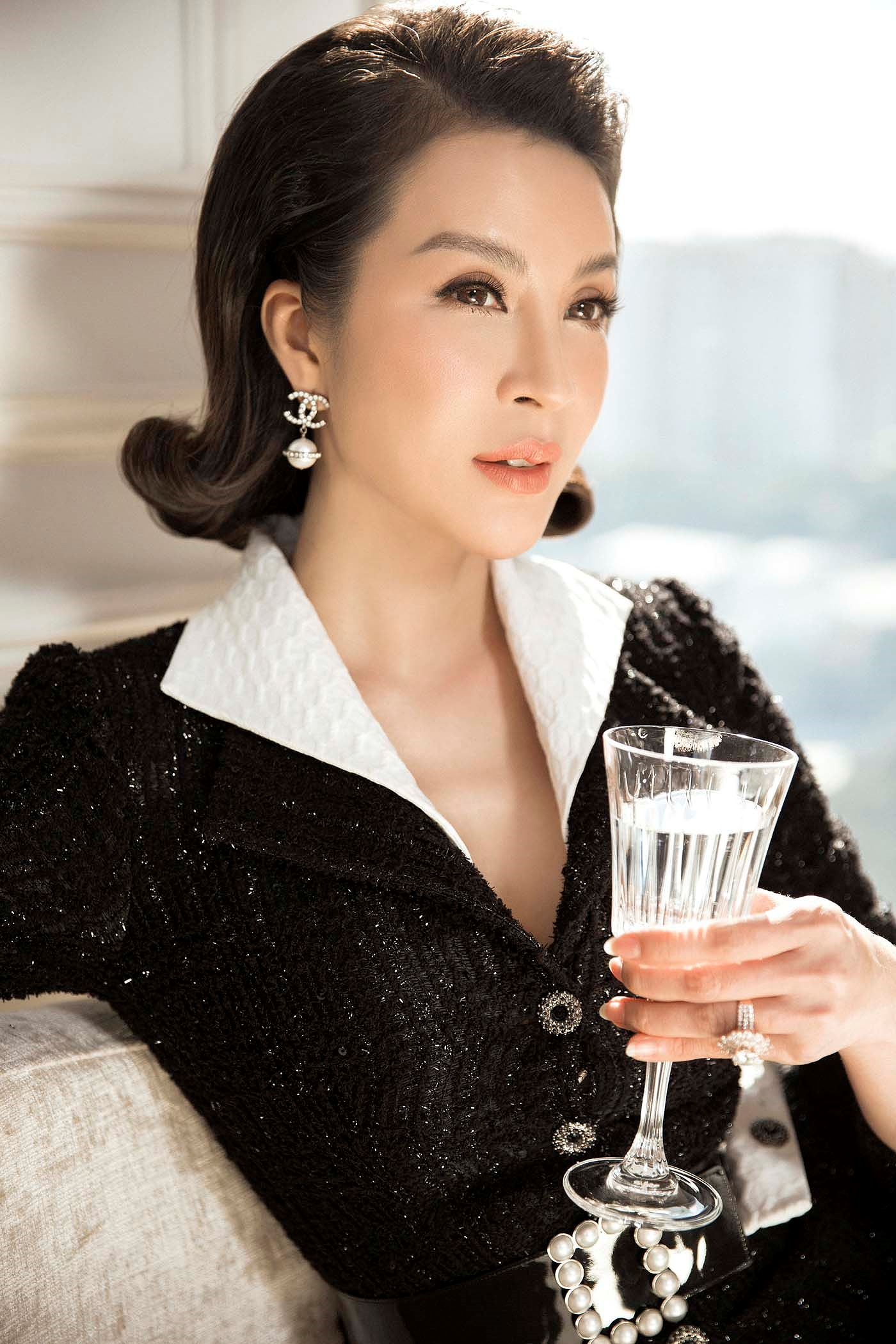 MC Thanh Mai 'đẹp không tì vết' ở tuổi 45 Ảnh 8