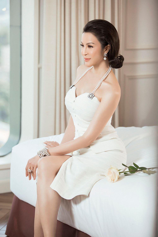 MC Thanh Mai 'đẹp không tì vết' ở tuổi 45 Ảnh 4