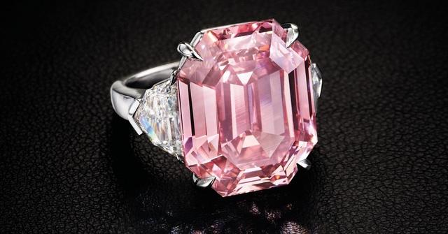 Chiêm ngưỡng viên kim cương hồng 19 cara giá 1,2 nghìn tỷ đồng Ảnh 1