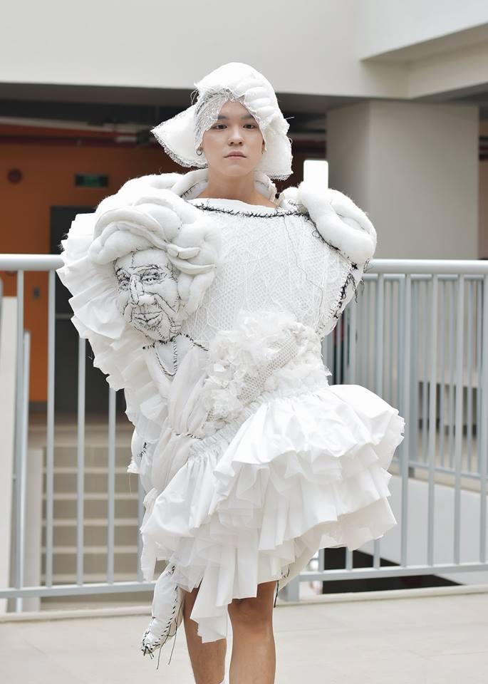 Khi sinh viên ĐH Văn Lang khoe tài thiết kế thời trang, người xem cứ nghĩ đang dự show diễn nghệ thuật 'chất phát ngất' Ảnh 4