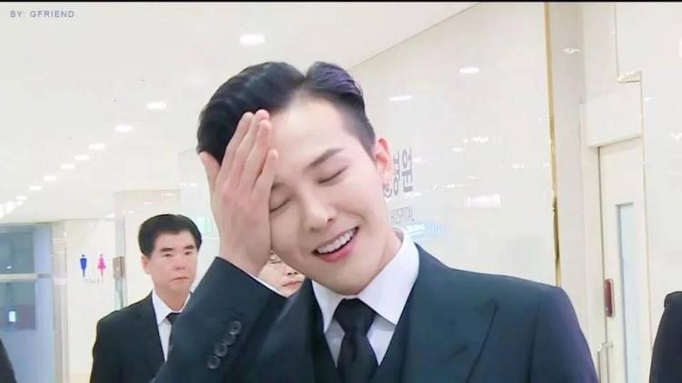 Chết cười với ảnh đi dự sự kiện và ngoài đời thật của G-Dragon do chính fan 'bóc mẽ' Ảnh 2