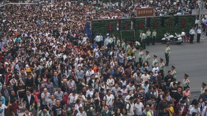 Những con số choáng váng về kì nghỉ Tuần lễ vàng của Trung Quốc Ảnh 1