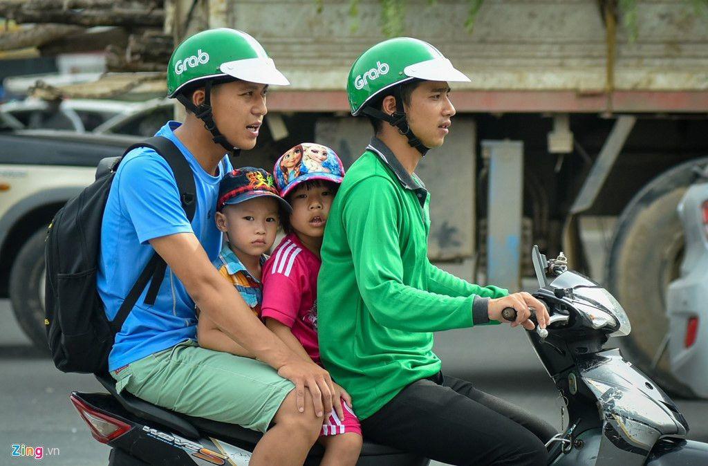 Grab cho phép tài xế bắt khách dọc đường như xe ôm Ảnh 1