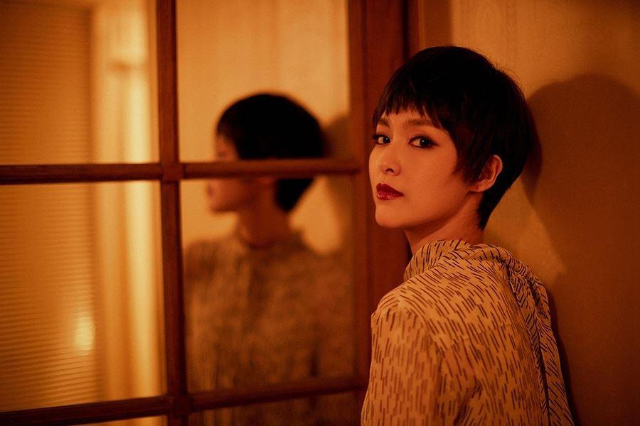Người đẹp phim 'Bên nhau trọn đời' tóc tém trẻ trung tại Paris Ảnh 2