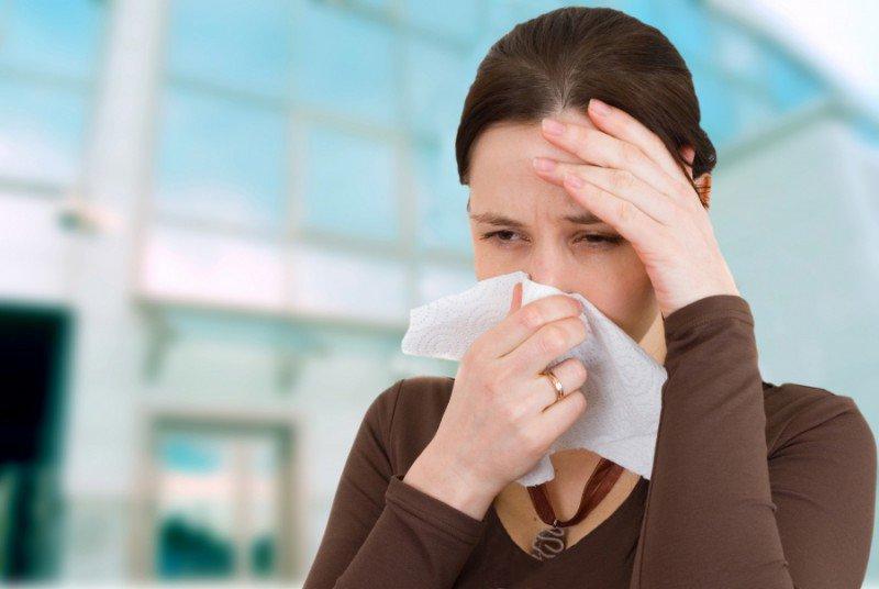 Vì sao dễ ốm khi chuyển mùa? Ảnh 1