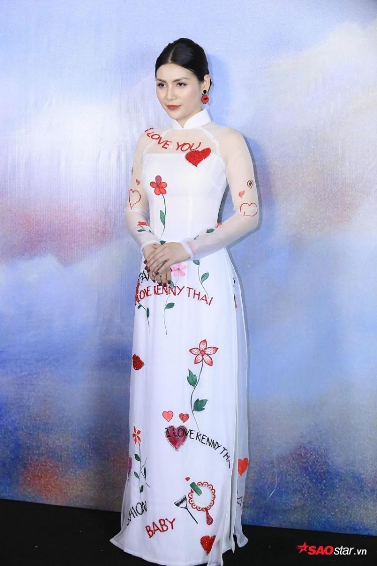 Á hậu Huyền My mặc áo dài trăm triệu khoe nhan sắc 'cực phẩm' Ảnh 10
