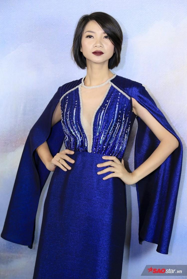 Á hậu Huyền My mặc áo dài trăm triệu khoe nhan sắc 'cực phẩm' Ảnh 11