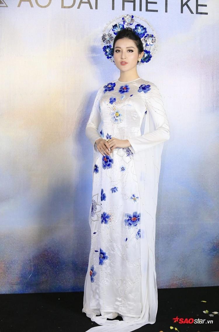 Á hậu Huyền My mặc áo dài trăm triệu khoe nhan sắc 'cực phẩm' Ảnh 6