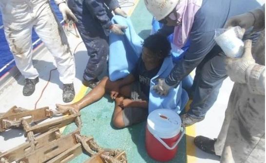 Indoneisa: Một thanh niên sống sót sau 49 ngày lênh đênh trên biển Ảnh 2
