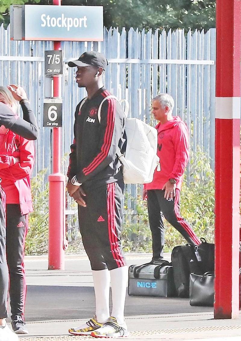 Pogba và Mourinho ca bài gặp nhau làm ngơ Ảnh 2