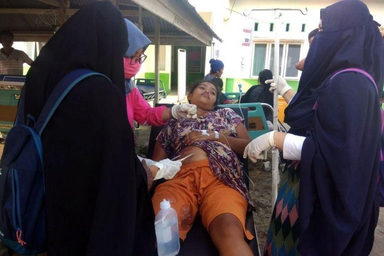 Thi thể nạn nhân sóng thần Indonesia ngổn ngang trên đường Ảnh 4