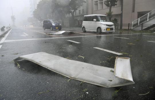 Chưa hồi phục sau bão Jebi, Nhật Bản lại hứng bão Trami Ảnh 3