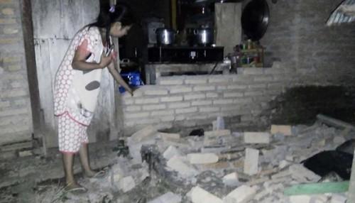 Rơi nước mắt trước khung cảnh tan hoang tại Indonesia sau trận sóng thần kinh hoàng Ảnh 4