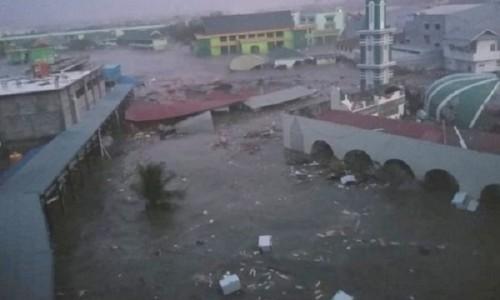 Rơi nước mắt trước khung cảnh tan hoang tại Indonesia sau trận sóng thần kinh hoàng Ảnh 3