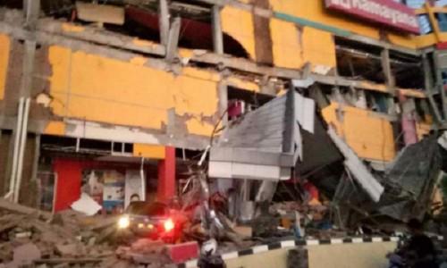Rơi nước mắt trước khung cảnh tan hoang tại Indonesia sau trận sóng thần kinh hoàng Ảnh 2