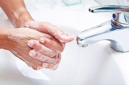Dịch tay chân miệng tăng đột biến, mẹ cần làm gì để phòng bệnh cho trẻ? Ảnh 2