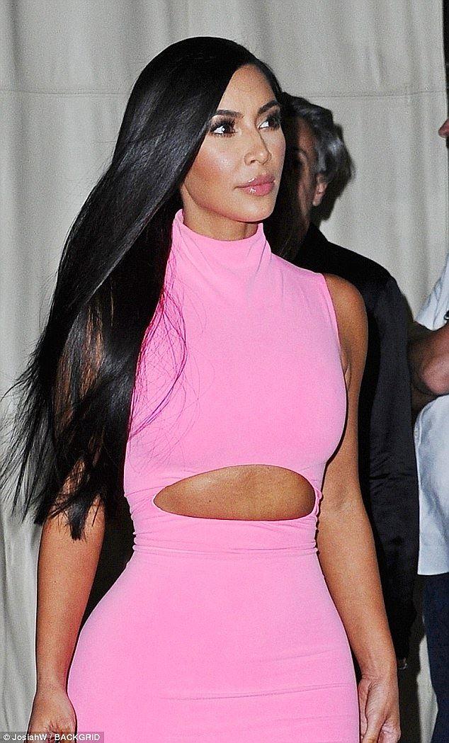 Kim Kardashian khoe dáng 'đồng hồ cát' trứ danh ở New York Ảnh 3