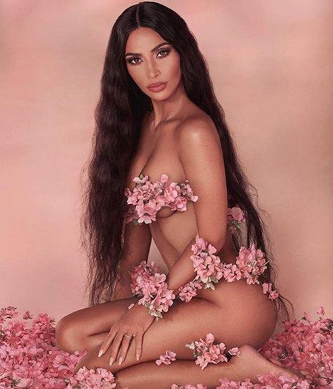Kim Kardashian khoe dáng 'đồng hồ cát' trứ danh ở New York Ảnh 7