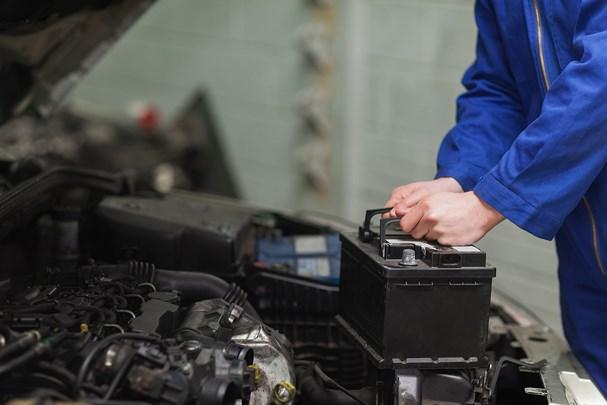 Cách kiểm tra máy phát điện xe ô tô Ảnh 1
