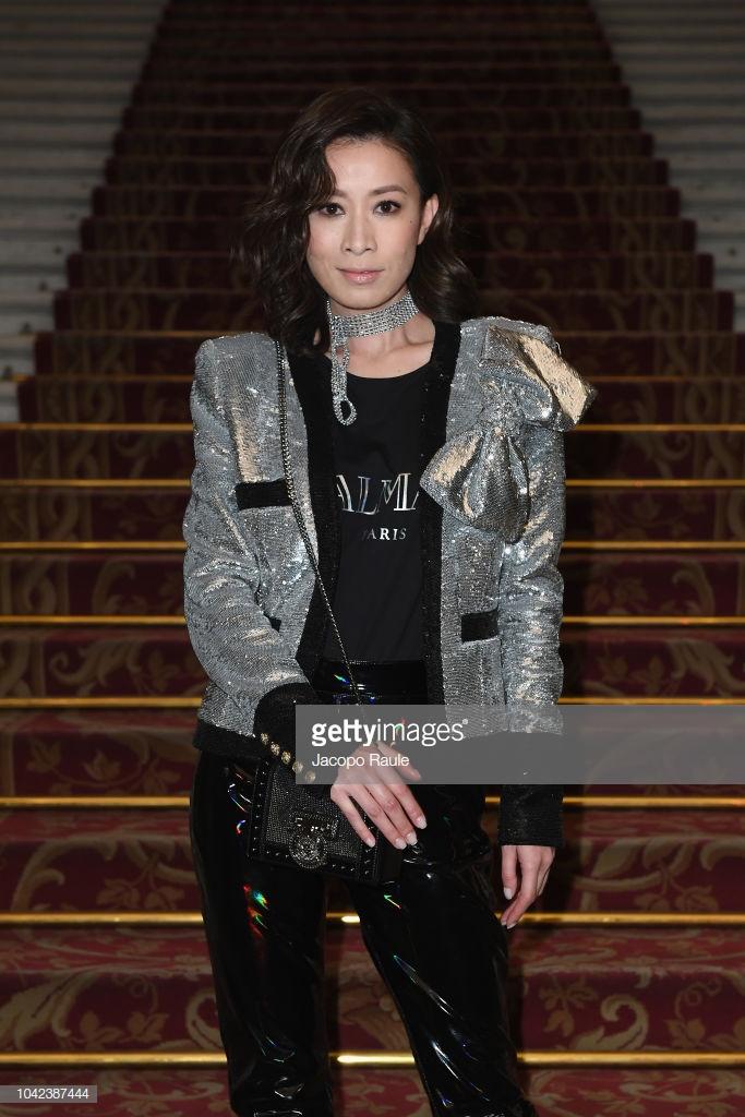 Hứa Ngụy Châu bảnh bao bên 'noona' Sandara Park, Xa Thi Mạn và Mai Davika ở 'Paris Fashion Week' ngày 4 Ảnh 7