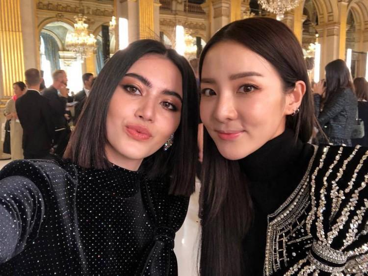 Hứa Ngụy Châu bảnh bao bên 'noona' Sandara Park, Xa Thi Mạn và Mai Davika ở 'Paris Fashion Week' ngày 4 Ảnh 22