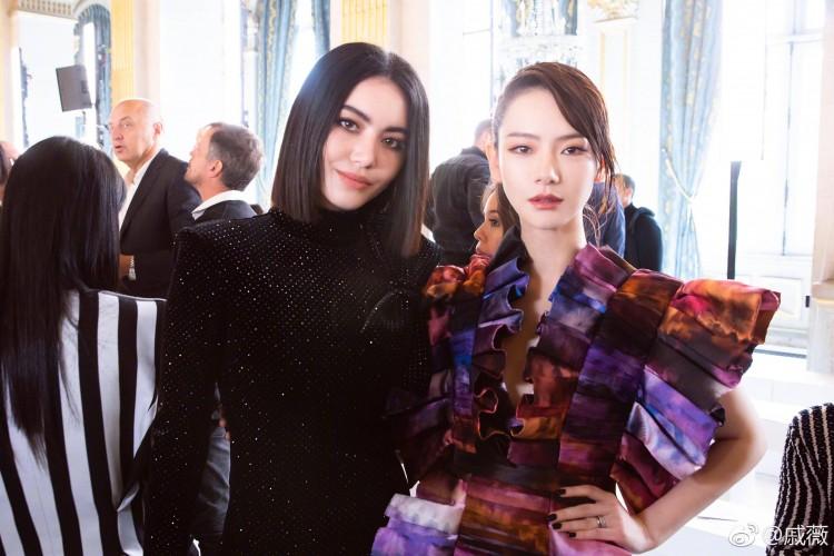 Hứa Ngụy Châu bảnh bao bên 'noona' Sandara Park, Xa Thi Mạn và Mai Davika ở 'Paris Fashion Week' ngày 4 Ảnh 32
