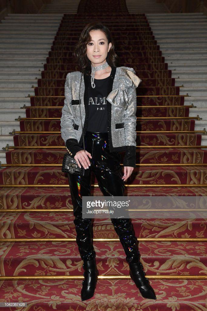 Hứa Ngụy Châu bảnh bao bên 'noona' Sandara Park, Xa Thi Mạn và Mai Davika ở 'Paris Fashion Week' ngày 4 Ảnh 5