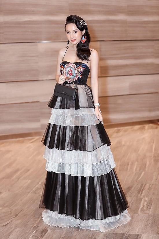 Angela Phương Trinh diện váy xếp tầng nổi bần bật như minh tinh tại sự kiện Ảnh 2
