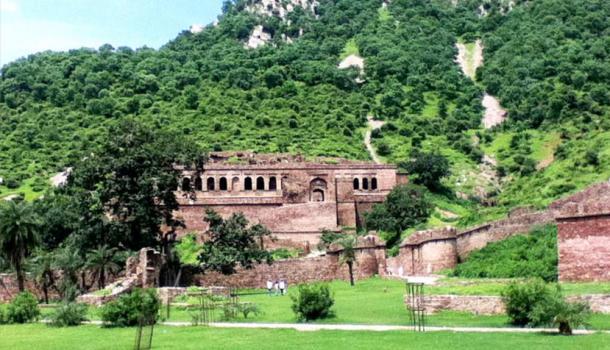 Pháo đài Bhangarh và lời nguyền một đi không bao giờ trở lại Ảnh 2