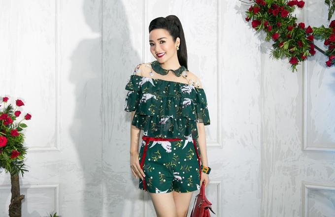 Những sao Việt bất chấp dress code ăn diện một mình một cõi lên thảm đỏ Ảnh 15
