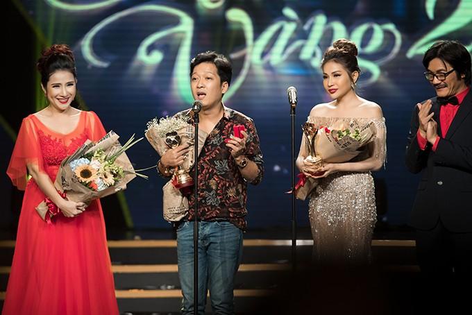 Những sao Việt bất chấp dress code ăn diện một mình một cõi lên thảm đỏ Ảnh 12