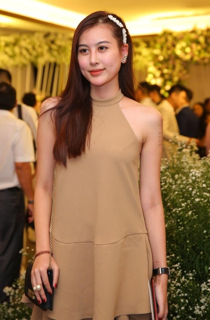 Những sao Việt bất chấp dress code ăn diện một mình một cõi lên thảm đỏ Ảnh 3