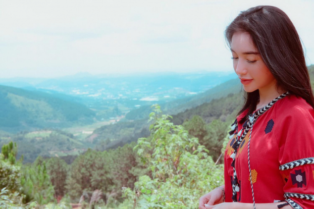 Khoe ảnh đi du lịch Đà Lạt, Elly Trần được khen hết lời vì trẻ trung như thiếu nữ Ảnh 7