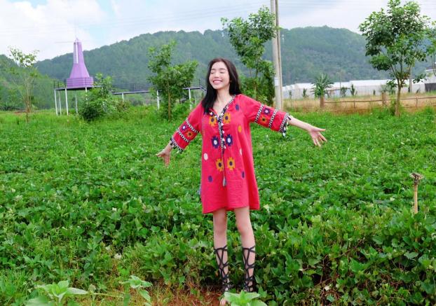 Khoe ảnh đi du lịch Đà Lạt, Elly Trần được khen hết lời vì trẻ trung như thiếu nữ Ảnh 4