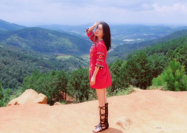 Khoe ảnh đi du lịch Đà Lạt, Elly Trần được khen hết lời vì trẻ trung như thiếu nữ Ảnh 3