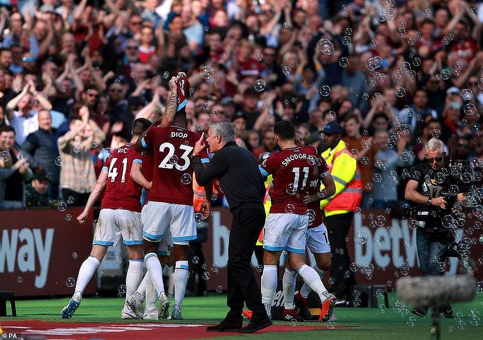 Công cùn thủ kém, Quỷ đỏ thua bạc nhược trước West Ham Ảnh 11
