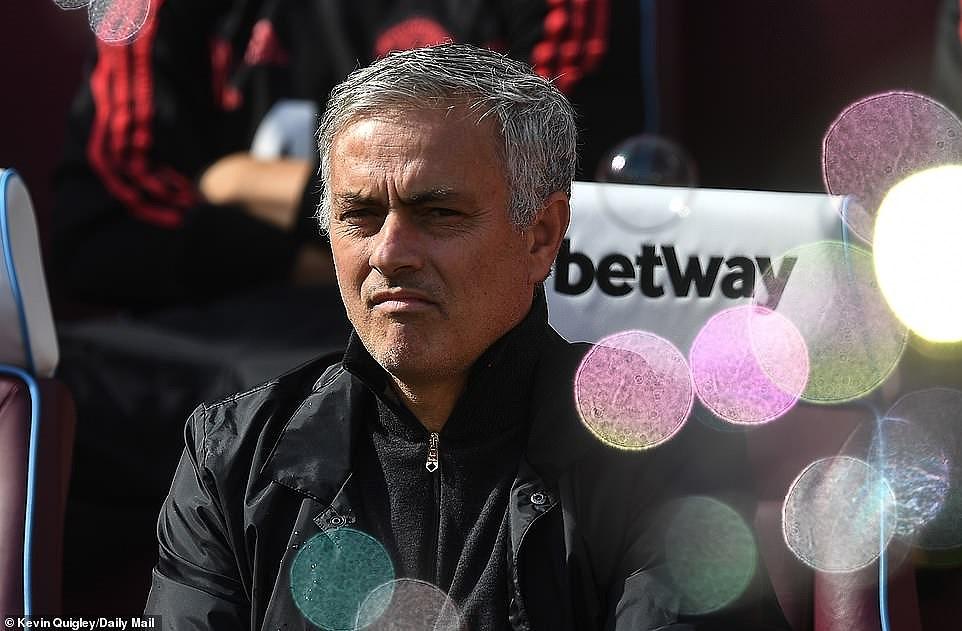 Công cùn thủ kém, Quỷ đỏ thua bạc nhược trước West Ham Ảnh 1