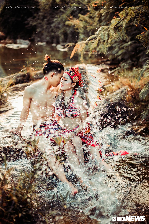 Cặp đôi Hà Tĩnh chụp ảnh cưới phong cách thổ dân đẹp rực rỡ Ảnh 2