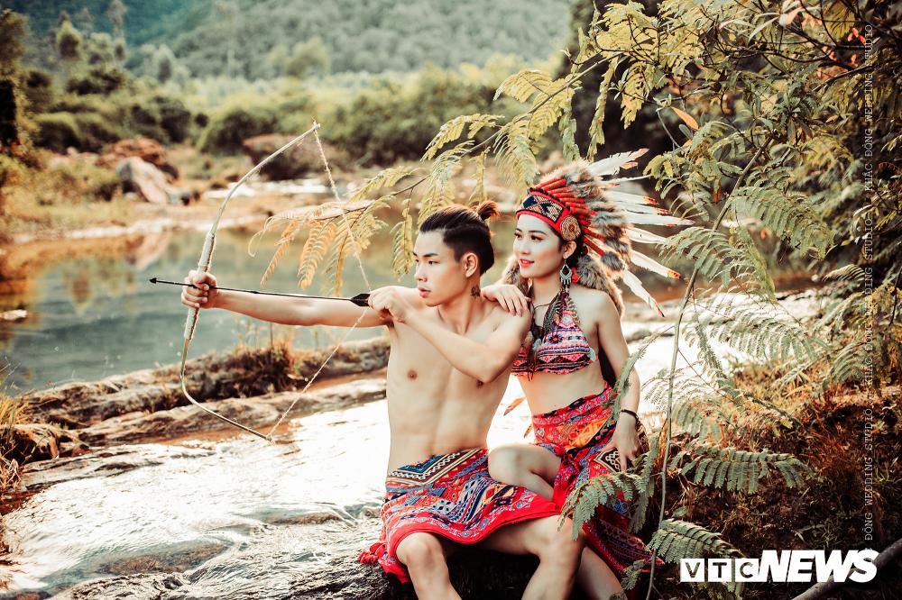 Cặp đôi Hà Tĩnh chụp ảnh cưới phong cách thổ dân đẹp rực rỡ Ảnh 1