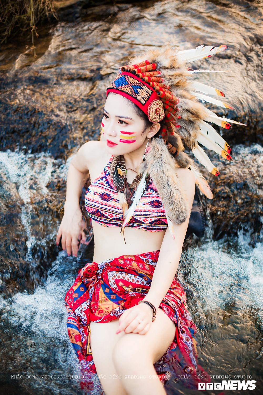 Cặp đôi Hà Tĩnh chụp ảnh cưới phong cách thổ dân đẹp rực rỡ Ảnh 10