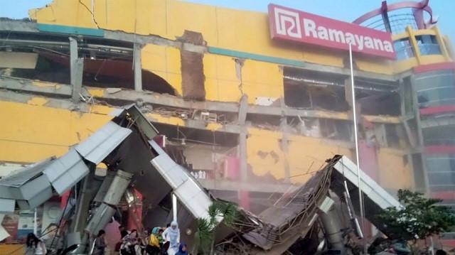 Động đất Indonesia: Anh hùng kiểm soát không lưu cứu mạng hàng trăm hành khách Ảnh 5