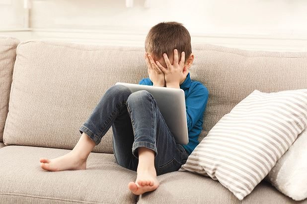 Trẻ em nhìn màn hình nhiều sẽ nhận thức kém? Ảnh 1