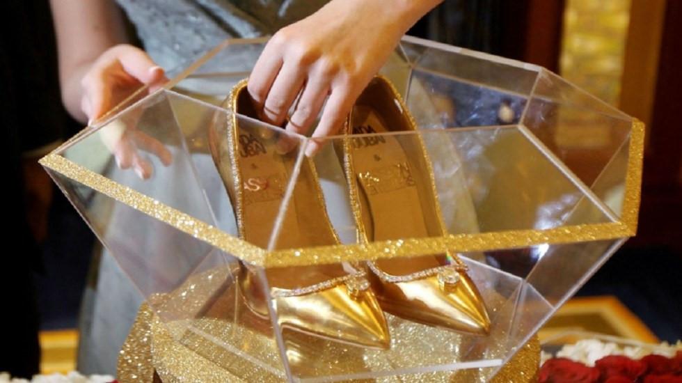 Đôi giày cao gót nạm gần 240 viên kim cương khiến mọi cô gái 'phát thèm' Ảnh 4