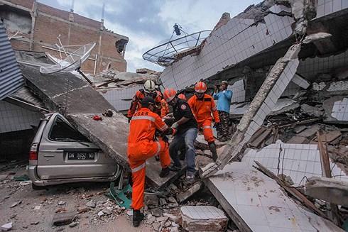 Indonesia lao đao khắc phục 'thảm họa kép' động đất - sóng thần Ảnh 1