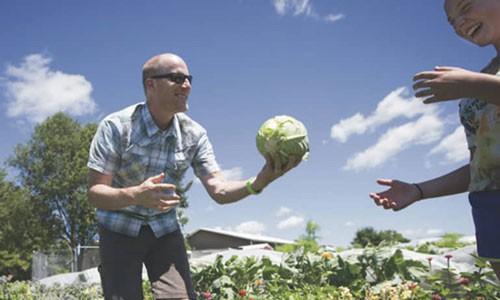 Người tạo xu hướng nông nghiệp organic tại Mỹ Ảnh 1