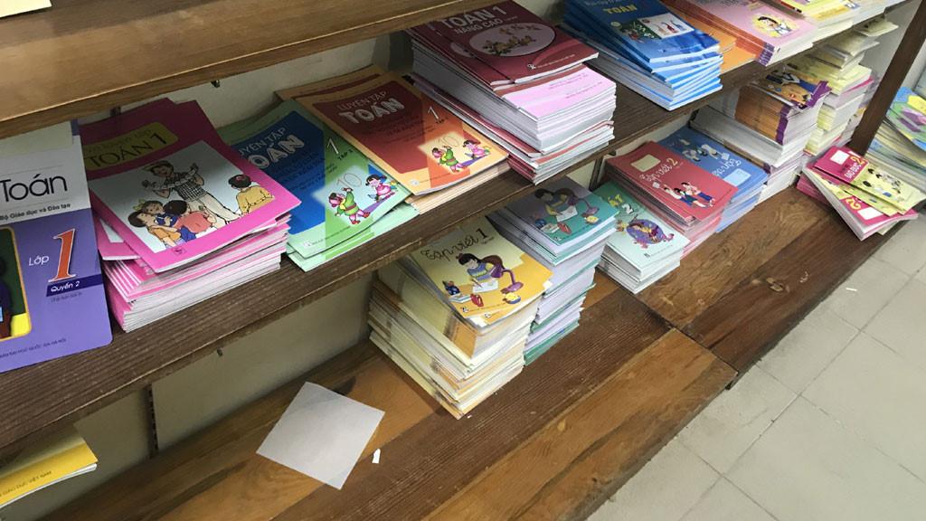 Bộ GD-ĐT nói gì về việc chiết khấu hàng trăm tỉ phát hành sách giáo khoa? Ảnh 1