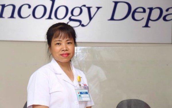 Bố mẹ từ chối điều trị ung thư, quyết ôm con về khiến bác sĩ BV K bất lực Ảnh 1